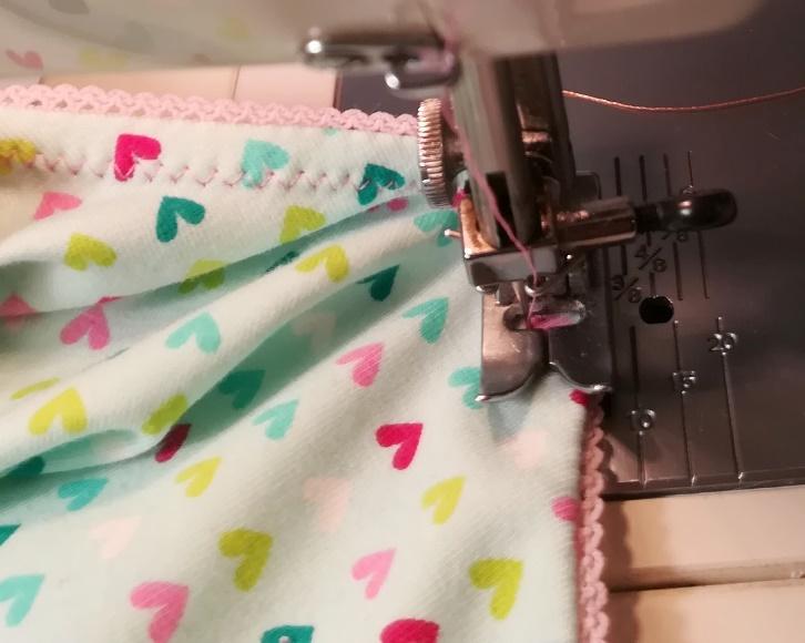 04 Sew leg elastics (14)